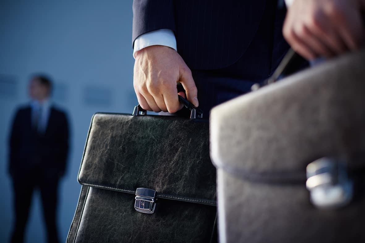 Anwalt auf dem Weg zur Verhandlung zum BAföG Betrug