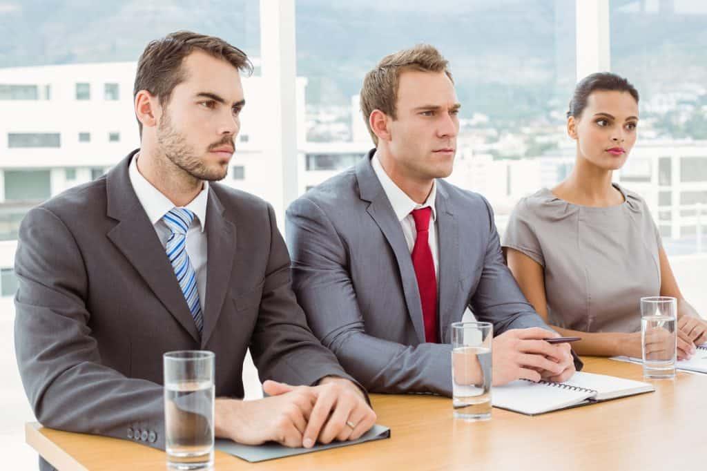 So wie auf diesem Bild sollten die Personaler bei Deinem Vorstellungsgespräch nicht aussehen...