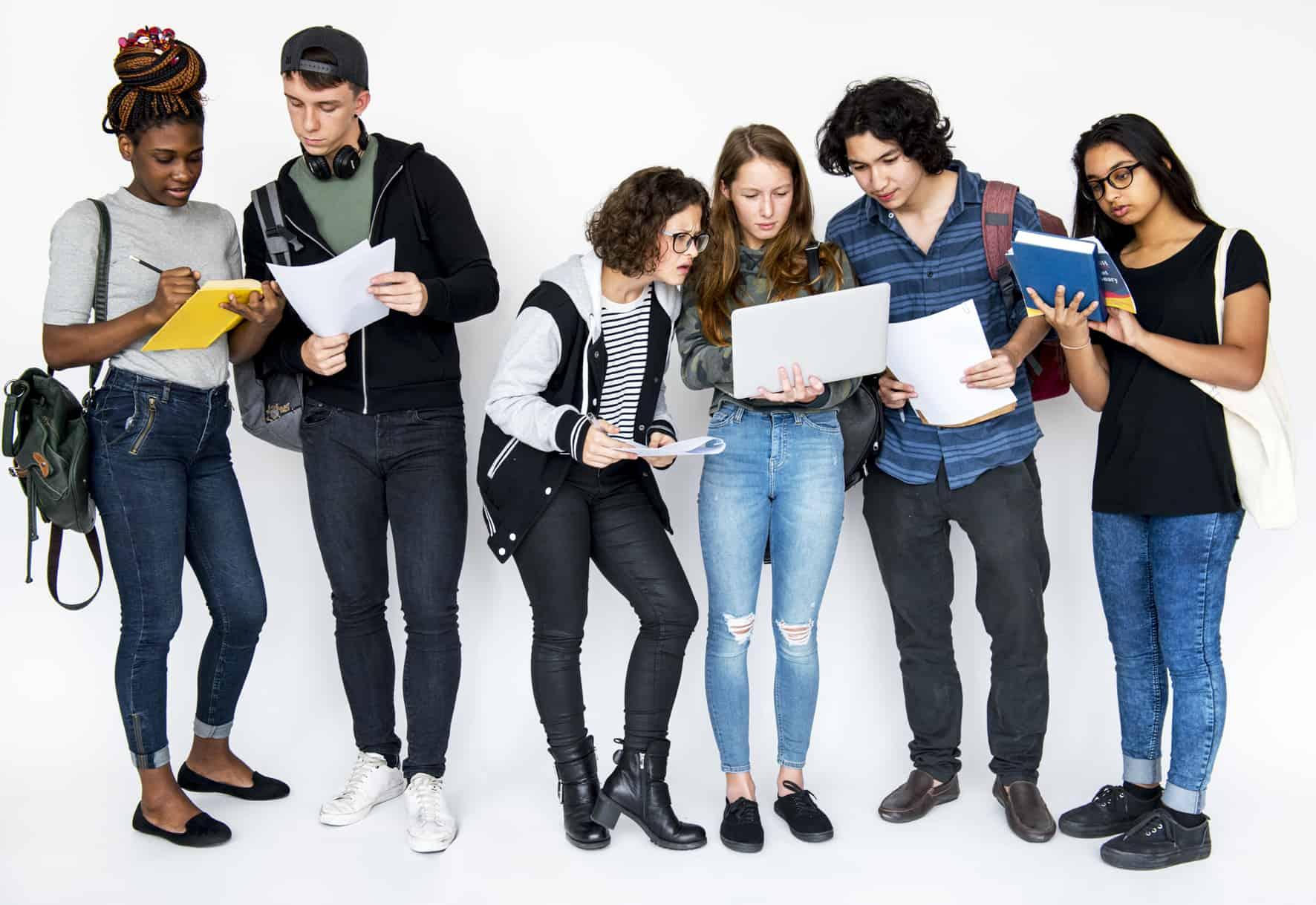 Studenten unterhalten sich über BAföG für Ausländer